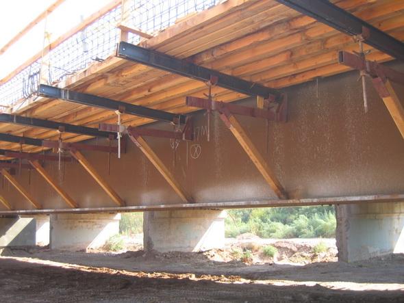 8kip Deep Girder Amp Wide Overhang Bracket Construction